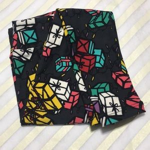 NWT Holiday LuLaRoe Kids' S/M Leggings Presents
